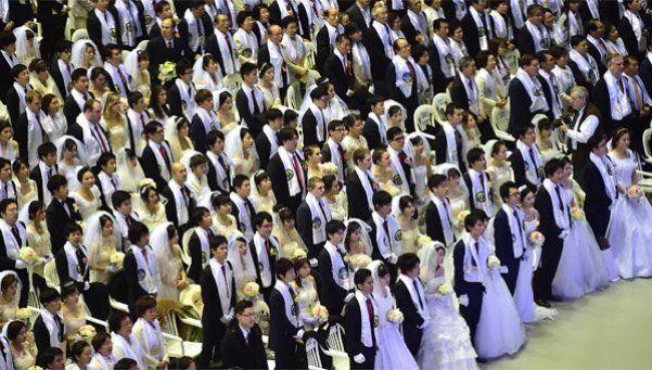 3.000 parejas se casan en boda masiva de la secta Moon