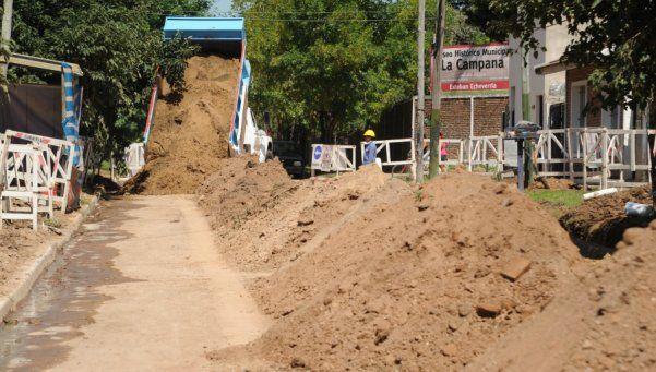 Al son de La Campana avanza expansión de cloacas en El Jagüel