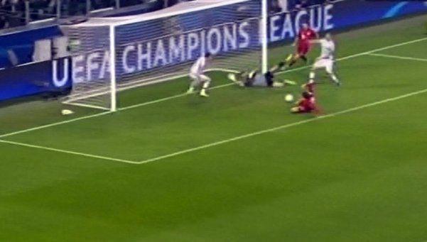 Video | El increíble gol que erró Bayern Munich