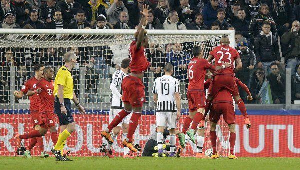 Juventus estaba para ser goleado, pero rescató un empate que le permite soñar