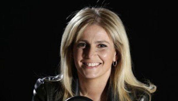 Romina Manguel pone la primera en Radio Nacional