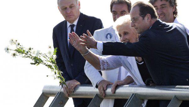 Hollande, con Abuelas de Plaza de Mayo y en la Bombonera