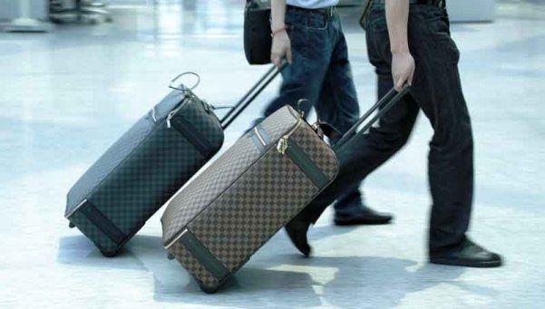Celulares y laptops deberán ser transportados en equipaje de mano