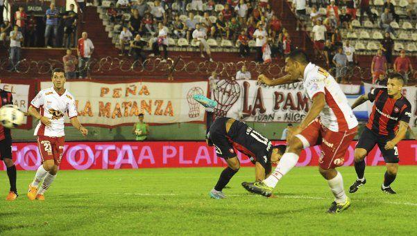 San Lorenzo se quedó y Huracán lo durmió en la última jugada