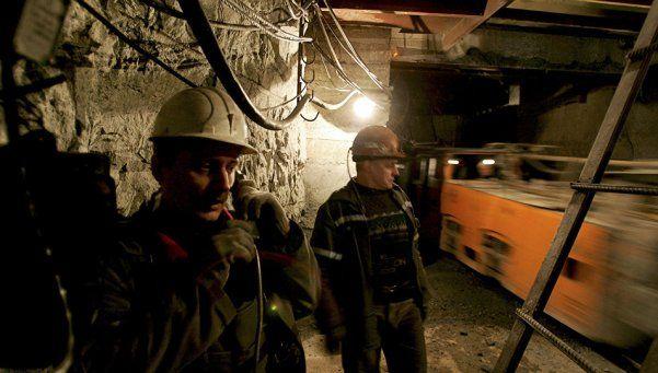 Rusia: al menos 36 muertos tras explosión y derrumbe en mina de carbón