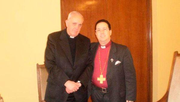 Roban los ahorros de la parroquia del padre Acuña