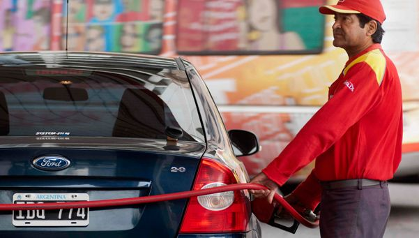 Advierten por fuerte baja de demanda de combustibles