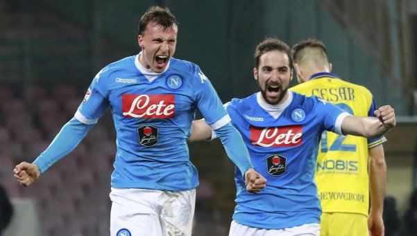 Napoli venció a Chievo con un gol de Higuaín y volvió a la punta
