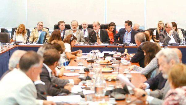Economistas y empresarios apoyaron ante diputados el pago a holdouts