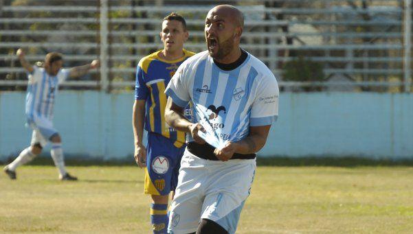 Argentino de Quilmes: Los goles de Valenti no hacen notar la ausencia de Marclay