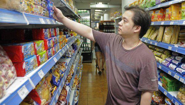 Aseguran que cayó un 10 por ciento la venta en super chinos