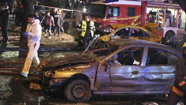 Cuatro detenidos por el atentado que causó 37 muertos en Turquía