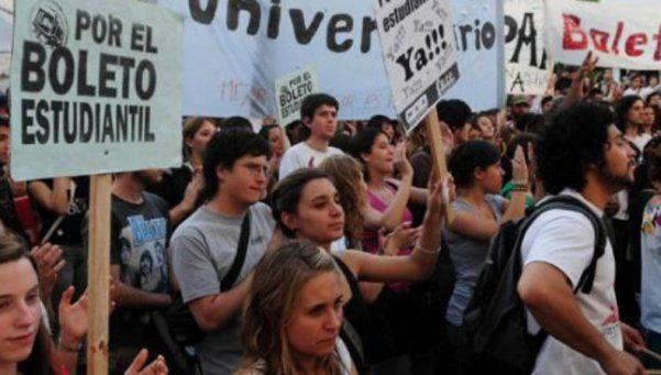 Estudiantes universitarios del Conurbano volvieron a exigir el boleto gratuito