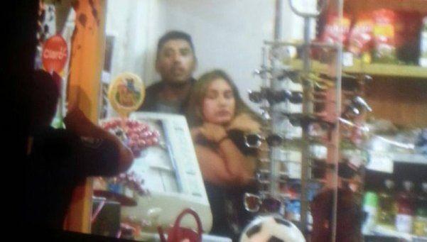 Video | Fue a ver al Indio a Tandil y tomó de rehén a kioskera