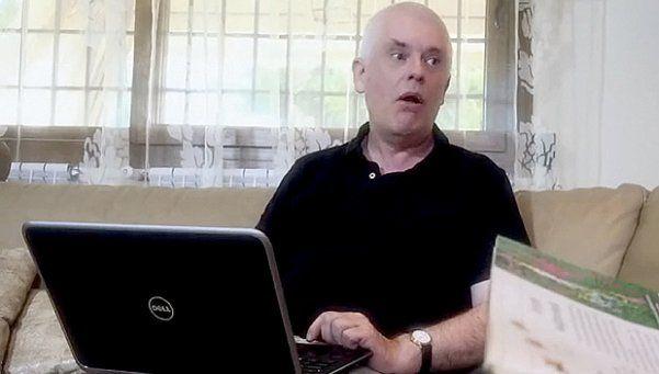 Escándalo: de día, profesor universitario; de noche, actor porno