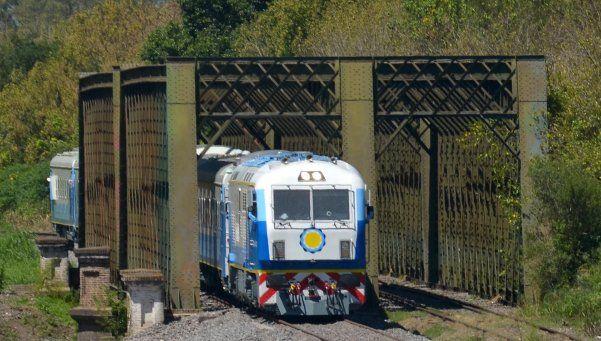 Reactivan obras en tren entre Retiro y Rosario
