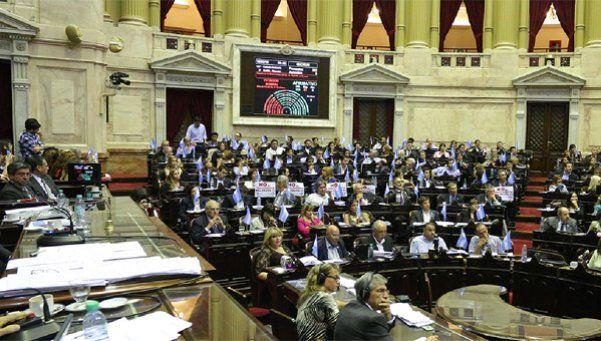 Fuerte presión para impulsar ley que prohíba despidos