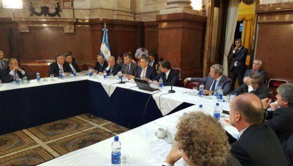Holdouts: fuerte respaldo de gobernadores al acuerdo