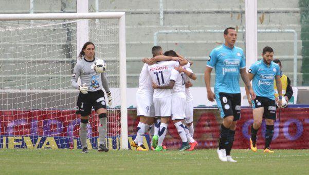 Con sufrimiento, Vélez venció a Belgrano en Córdoba