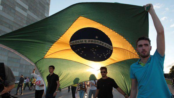 Nuevas denuncias contra Rousseff y la mayoría pide juicio político