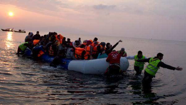 Dramático: dos niñas mueren ahogadas al caer de un barco de refugiados