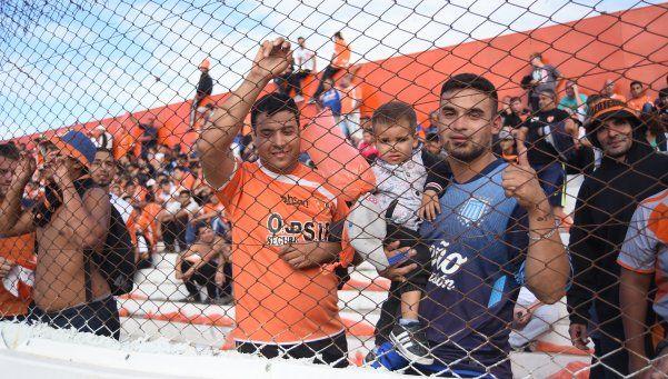 Berazategui llegó a la punta en su histórica vuelta a casa