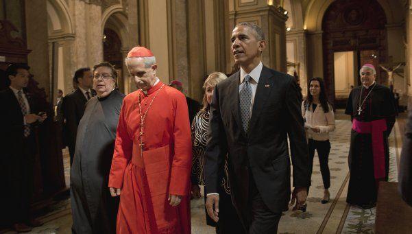 Obama rezó en la Catedral y homenajeó a San Martín y a la AMIA