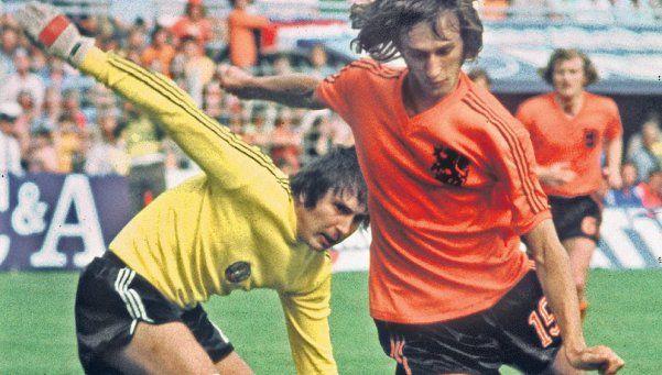 Diario inglés The Guardian homenajeó a Cruyff y cometió un error increíble