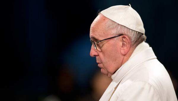 El Papa Francisco encabezó el Vía Crucis en el Coliseo