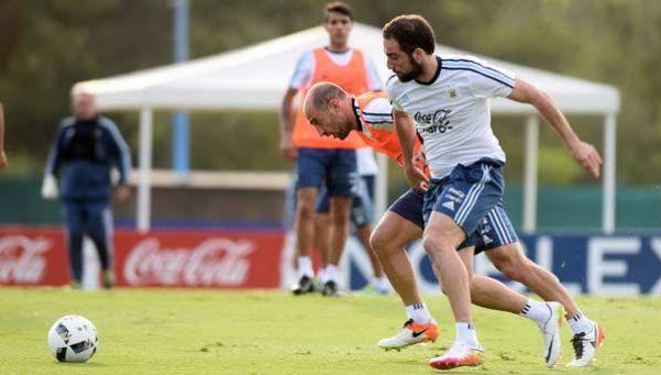 Martino mete mano: Higuaín jugará en lugar de Agüero