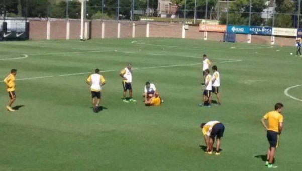 Otra vez: Osvaldo se golpeó el pie y dejó la práctica de Boca