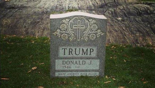 Misterio en Nueva York: apareció una lápida de Donald Trump