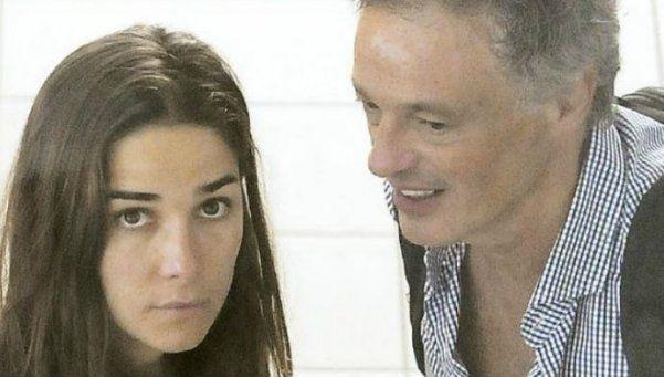 Aparecen fotos de Juanita con un ministro de Macri