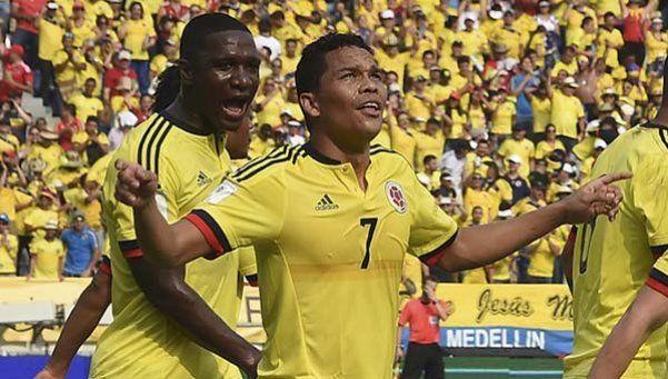 Colombia se impuso con categoría al puntero Ecuador y escala posiciones