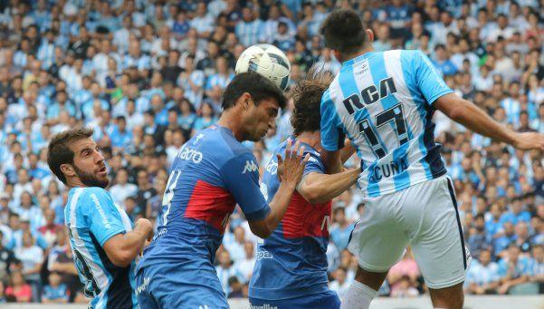 Racing se repuso dos veces y empató con Tigre en un partidazo