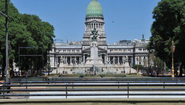 La oposición comenzó a marcar la agenda en el parlamento