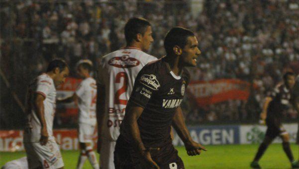 A puro gol, Lanús le ganó a Unión y se trepó en la punta del torneo