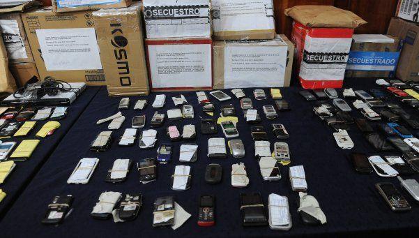 Clonaban celulares que eran usados por secuestradores