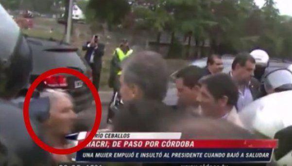 En Córdoba, Macri fue agredido por una anciana