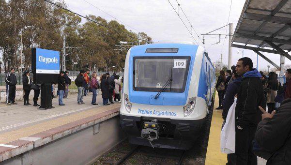 Se masturbaba en el tren Roca y acabó detenido por la Policía