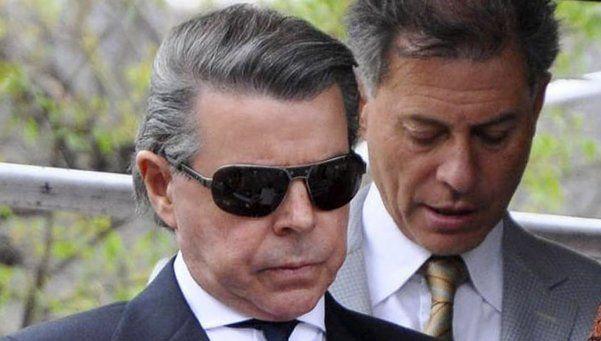 Oyarbide denunció que le robaron una caja fuerte de su casa