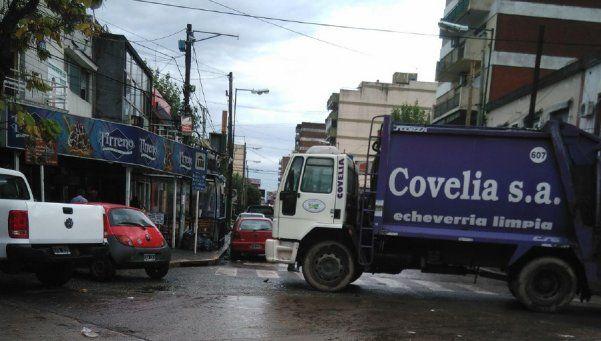 La basura se acumula en barrios de Echeverría por paro de Covelia