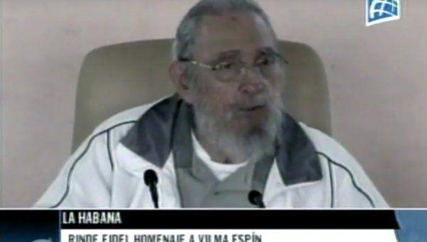 Fidel Castro reapareció en público para homenajear a líder revolucionaria