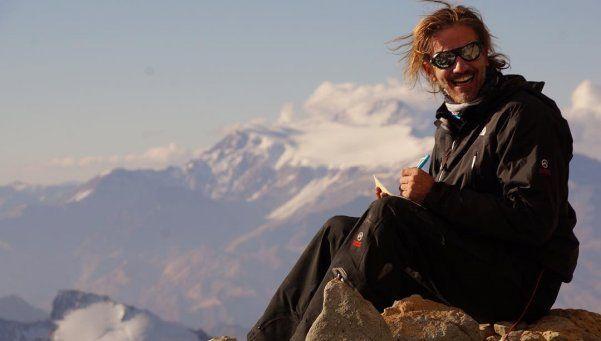 Arana va por la revancha y viajó para escalar el Everest