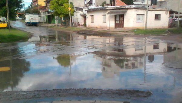 Peligrosa modalidad de motociclistas en Varela