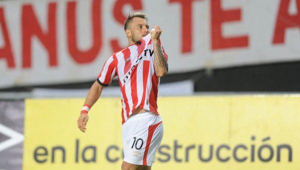 Estudiantes le ganó a Atlético con polémica y es el único escolta de Lanús