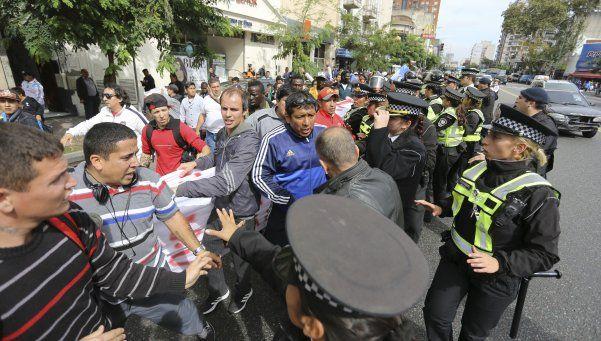 Nuevos incidentes con los manteros de la avenida Avellaneda