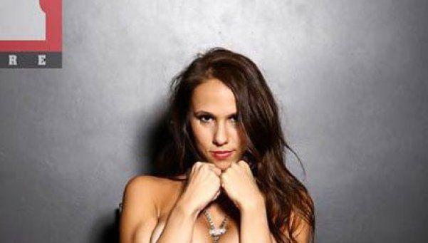 Fotos Hot   Barby Silenzi y su producción con los pechos mojados