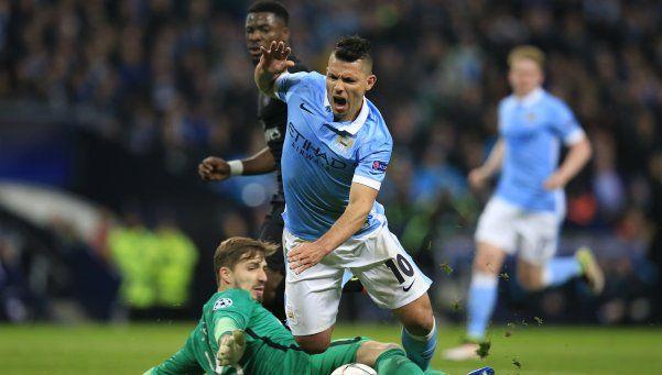 A pesar del error de Agüero, el City se metió en semifinales