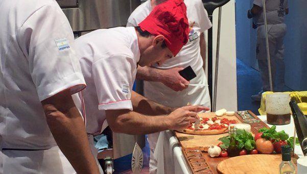 Una masa: comenzó la participación del equipo argentino en el Mundial de Pizza